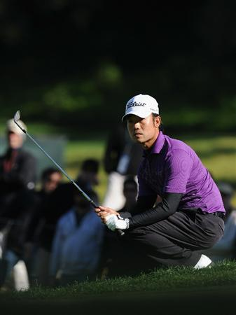 PACIFIC PALISADES, CA - FEBRUARY 20:  Kevin Na reacts on the 16th hole during the final round of the Northern Trust Open at Riviera Country Club on February 20, 2011 in Pacific Palisades, California.  (Photo by Stuart Franklin/Getty Images)