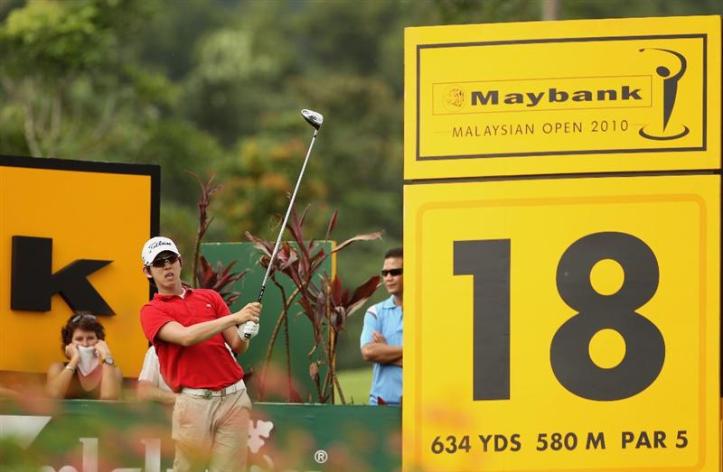 KUALA LUMPUR, MALAYSIA - MARCH 06:  Noh Seung-yul of Korea hits his tee-shot on the 18th hole during the the third round of the Maybank Malaysian Open at the Kuala Lumpur Golf and Country Club on March 6, 2010 in Kuala Lumpur, Malaysia.  (Photo by Andrew Redington/Getty Images)