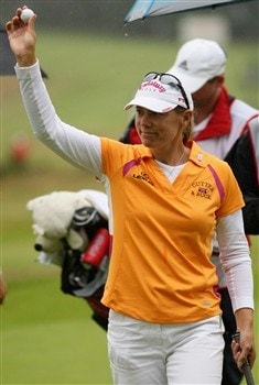 SUNNINGDALE, UNITED KINGDOM - AUGUST 03:  Annika Sorenstam of Sweden ackowledges the crowd on the 18th green after competing in her final major championship during the final round of the 2008 Ricoh Women's British Open held on the Old Course at Sunningdale Golf Club on Ausgust 3, 2008 in Sunningdale, England.  (Photo by Warren Little/Getty Images)