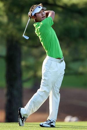 AUGUSTA, GA - APRIL 09:  Amateur Danny Lee of New Zealand hits a shot on the 17th hole during the first round of the 2009 Masters Tournament at Augusta National Golf Club on April 9, 2009 in Augusta, Georgia.  (Photo by Andrew Redington/Getty Images)