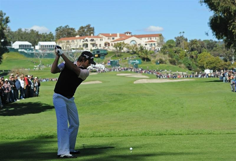 PACIFIC PALISADES, CA - FEBRUARY 20:  Aaron Baddeley of Australia plays his tee shot on the nineth hole during the final round of the Northern Trust Open at Riviera Country Club on February 20, 2011 in Pacific Palisades, California.  (Photo by Stuart Franklin/Getty Images)