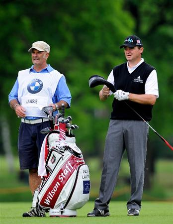 TURIN, ITALY - MAY 08:  Paul Lawrie of Scotland looks on beside caddie Andy Forsyth on the eighth hole during the third round of the BMW Italian Open at Royal Park I Roveri on May 8, 2010 in Turin, Italy.  (Photo by Stuart Franklin/Getty Images)