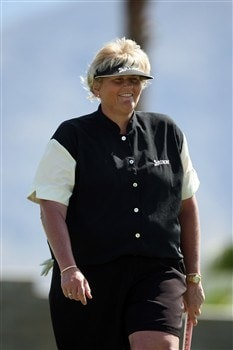 RANCHO MIRAGE, CA - APRIL 04:  Laura Davies of England makes a great par at the 15th hole during the second round of the Kraft Nabisco Championship at the Mission Hills Country Club, on April 4, 2008 in Rancho Mirage, California.  (Photo by David Cannon/Getty Images)