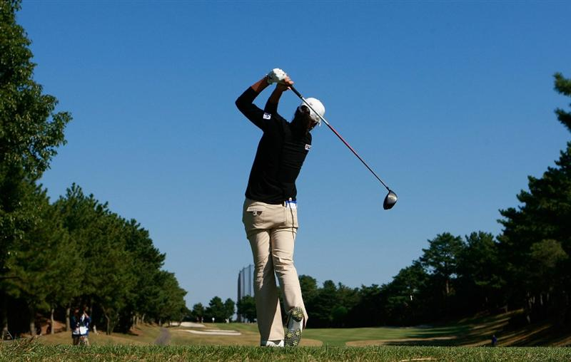 SHIMA, JAPAN - NOVEMBER 05:  Hee-Won Han of South Korea plays a shot on the 2nd hole during round one of the Mizuno Classic at Kintetsu Kashikojima Country Club on November 5, 2010 in Shima, Japan.  (Photo by Chung Sung-Jun/Getty Images)