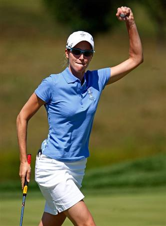 SUGAR GROVE, IL - AUGUST 23:  Diana Luna of the European Team celebrates a birdie putt on the second green during the Sunday singles matches at the 2009 Solheim Cup at Rich Harvest Farms on August 23, 2009 in Sugar Grove, Illinois.  (Photo by Scott Halleran/Getty Images)