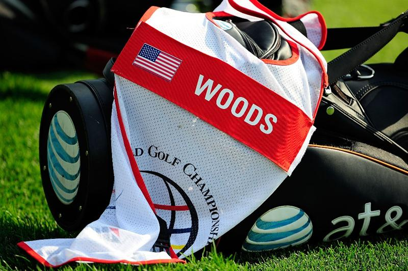 AKRON, OH - AUGUST 06:  A caddiie bib lays across the golf bag of Tiger Woods during the first round of the WGC-Bridgestone Invitational on the South Course at Firestone Country Club on August 6, 2009 in Akron, Ohio.  (Photo by Sam Greenwood/Getty Images)