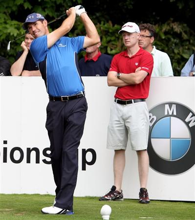 VIRGINIA WATER, ENGLAND - MAY 18:  Padraig Harrington of Ireland tees off on the second hole during a practice round at Wentworth prior to the BMW PGA Championship on May 18, 2010 in Virginia Water, England.  (Photo by Ross Kinnaird/Getty Images)