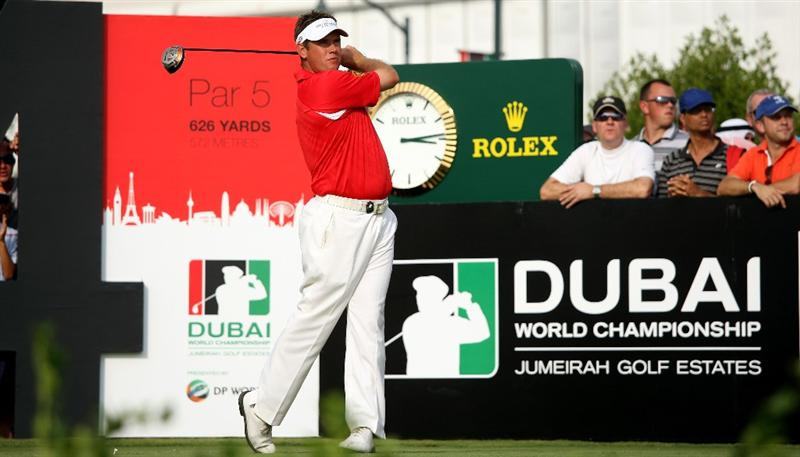 DUBAI, UNITED ARAB EMIRATES - NOVEMBER 22:  Lee Westwood of England tees off on the 14th hole during the final round of the Dubai World Championship and the Race To Dubai on the Earth Course, Jumeirah Golf Estates on November 22, 2009 in Dubai, United Arab Emirates.  (Photo by Andrew Redington/Getty Images)