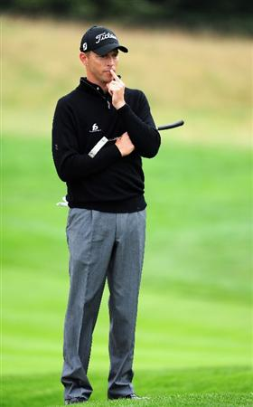 COLOGNE, GERMANY - SEPTEMBER 10:  Soren Hansen  of Denmark ponders on the first hole during the first round of The Mercedes-Benz Championship at The Gut Larchenhof Golf Club on September 10, 2009 in Cologne, Germany.  (Photo by Stuart Franklin/Getty Images)