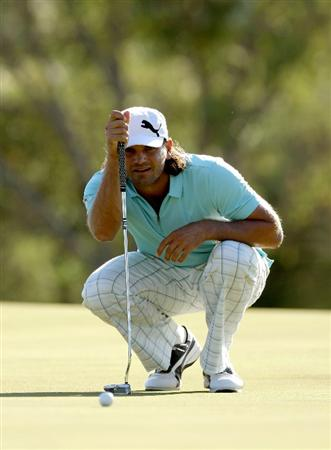 PERTH, AUSTRALIA - FEBRUARY 20:  Johan Edfors of Sweden lines up a birdie putt at the 12th hole during the second round of the 2009 Johnnie Walker Classic tournament at the Vines Resort and Country Club, on February 20, 2009, in Perth, Australia  (Photo by David Cannon/Getty Images)