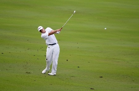 KAPALUA, HI - JANUARY 05:  Nick Watney hits his second shot on the 12th hole during the third round of the Mercedes-Benz Championship at the Plantation Course on January 5, 2008 in Kapalua, Maui, Hawaii.  (Photo by Jonathan Ferrey/Getty Images)