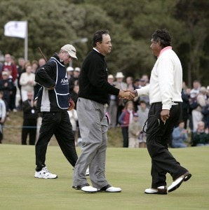 Loren Roberts (USA), left, shakes hands with Eduardo Romero (ARG) during the final round of the 2006 Senior British Open at the Westin Turnberry resort in Ayrshire, Scotland on July 30, 2006.Photo by Matthew Harris/WireImage.com