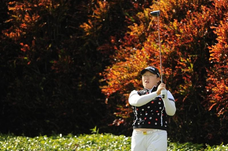 WEST PALM BECH, FL - NOVEMBER 23:  Ji-Yai Shin of South Korea hits her tee ball on the 18th hole during the final round of the ADT Championship at the Trump International Golf Club on November 23, 2008 in West Palm Beach, Florida.  (Photo by Montana Pritchard/Getty Images)