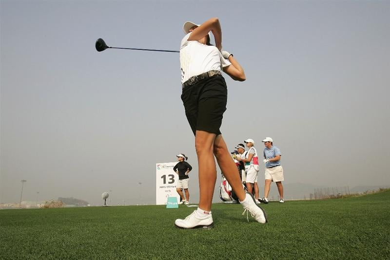 INCHEON, SOUTH KOREA - OCTOBER 30:  Lindsey Wright of Australia hits a teeshot in the 13th hole during round one of Hana Bank Kolon Championship at Sky 72 Golf Club on October 30, 2009 in Incheon, South Korea.  (Photo by Chung Sung-Jun/Getty Images)