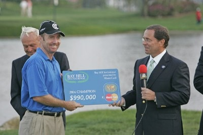 Rod Pampling recieves the winner's check after the fourth round of the Bay Hill Invitational presented by MasterCard at the Bay Hill Club in Orlando, Florida on March 19, 2006.Photo by Michael Cohen/WireImage.com