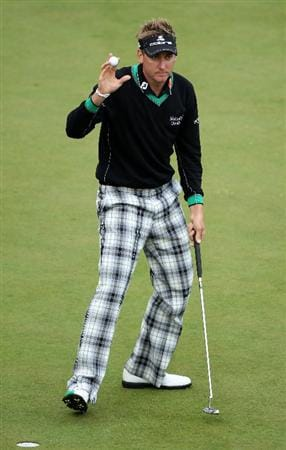 VIRGINIA WATER, ENGLAND - MAY 26:  Ian Poulter of England acknowledges the crowd on the 18th green during the first round of the BMW PGA Championship at Wentworth Club on May 26, 2011 in Virginia Water, England.  (Photo by Warren Little/Getty Images)