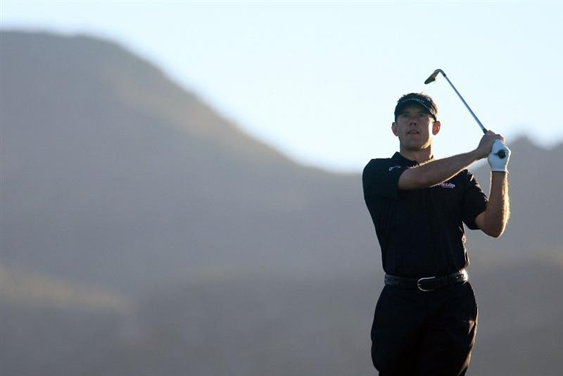 MARANA, AZ - FEBRUARY 25:  Lee Westwood of England hits a shot on the first hole during the first round of the Accenture Match Play Championship at the Ritz-Carlton Golf Club at Dove Mountain on February 25, 2009 in Marana, Arizona.  (Photo by Scott Halleran/Getty Images)