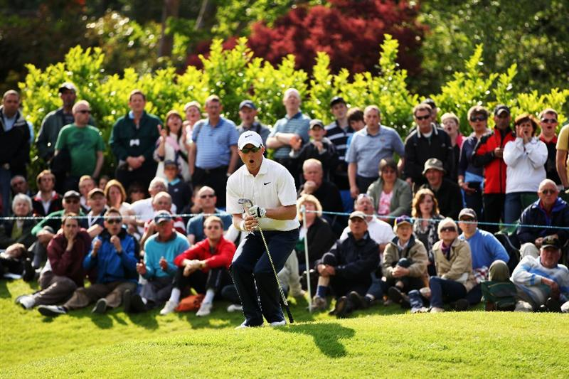 VIRGINIA WATER, ENGLAND - MAY 29:  Simon Dyson of England reacts to nearly chipping in for eagle on the 17th green during the final round of the BMW PGA Championship  at the Wentworth Club on May 29, 2011 in Virginia Water, England.  (Photo by Richard Heathcote/Getty Images)