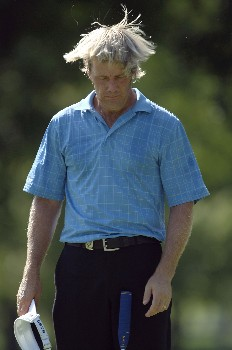 TULSA, OK - AUGUST 09:  Stuart Appleby of Australia seeks relief from the heat during the first round of the 89th PGA Championship at the Southern Hills Country Club on August 9, 2007 in Tulsa, Oklahoma.  (Photo by Jamie Squire/Getty Images)