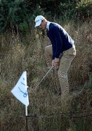 KINGSBARNS, SCOTLAND - OCTOBER 07:  Martin Kaymer of Germany plays out from the rough on the sixth green during the first round of The Alfred Dunhill Links Championship at Kingsbarns Golf Links on October 7, 2010 in Kingsbarns, Scotland.  (Photo by Andrew Redington/Getty Images)