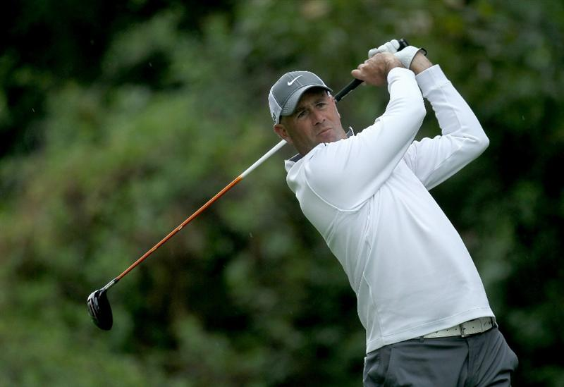 PACIFIC PALISADES, CA - FEBRUARY 19:  Stewart Cink hits his tee shot on the 12th hole during round three of the Northern Trust Open at Riviera Country Club on February 19, 2011 in Pacific Palisades, California.  (Photo by Stephen Dunn/Getty Images)