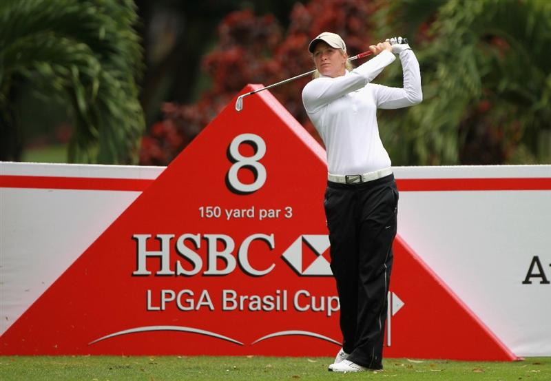 RIO DE JANEIRO, BRAZIL - MAY 28:  Suzann Pettersen of Norway watches her tee shot on the eighth hole during the first round of the HSBC LPGA Brazil Cup at the Itanhanga Golf Club on May 28, 2011 in Rio de Janeiro, Brazil.  (Photo by Scott Halleran/Getty Images)