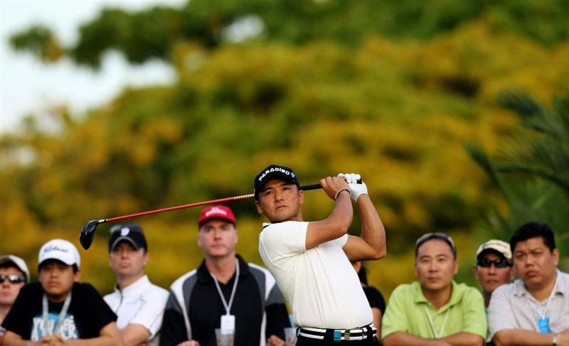 SINGAPORE - NOVEMBER 12: Shigeki Maruyama of Japan tees off on the 13th hole during the second round of the Barclays Singapore Open held at the Sentosa Golf Club on November 12, 2010 in Singapore, Singapore.  (Photo by Stanley Chou/Getty Images)