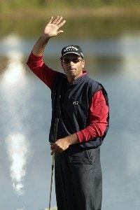 Rocco Mediate acknowledges the gallery on the eighteenth hole during the final round of the 2007 Arnold Palmer Invitational at the Bay Hill Club and Lodge in Orlando, Florida. March 18, 2007 PGA TOUR - 2007 Arnold Palmer Invitational - Final RoundPhoto by Pete Fontaine/WireImage.com