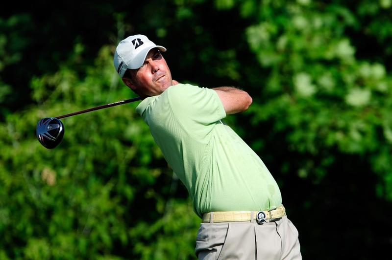 CHASKA, MN - AUGUST 13:  Matt Kuchar watches his tee shot on the tenth hole during the first round of the 91st PGA Championship at Hazeltine National Golf Club on August 13, 2009 in Chaska, Minnesota.  (Photo by Sam Greenwood/Getty Images)