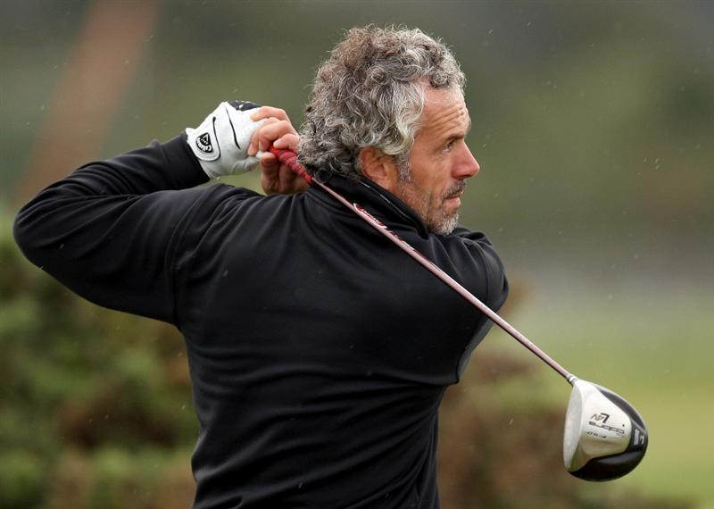 ST. ANDREWS, UNITED KINGDOM - OCTOBER 1:  Former manager of the Italy football team Roberto Donadoni during the final practice round of The Alfred Dunhill Links Championship at The Old Course on October 1, 2008 in St.Andrews, Scotland. (Photo by Ross Kinnaird/Getty Images)