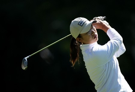 PORTLAND, OR - AUGUST 24:  Ji-Young Oh of South Korea tees off on the 16th hole during the first round of LPGA Safeway Classic at the Columbia Edgewater Country Club on August 24, 2007 in Portland, Oregon.  (Photo by Jonathan Ferrey/Getty Images)