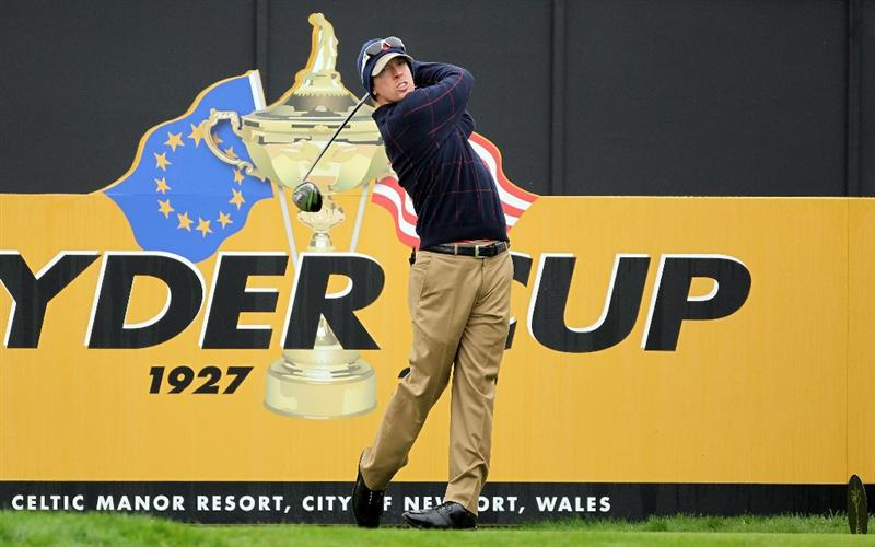 NEWPORT, WALES - SEPTEMBER 30:  Hunter Mahan of the USA tees off during a practice round prior to the 2010 Ryder Cup at the Celtic Manor Resort on September 30, 2010 in Newport, Wales.  (Photo by Andy Lyons/Getty Images)