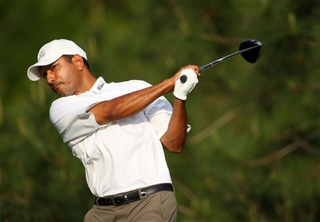 AUGUSTA, GA - APRIL 11:  Jeev Milkha Singh of India hits his tee shot on the 14th hole during the second round of the 2008 Masters Tournament at Augusta National Golf Club on April 11, 2008 in Augusta, Georgia.  (Photo by Andrew Redington/Getty Images)