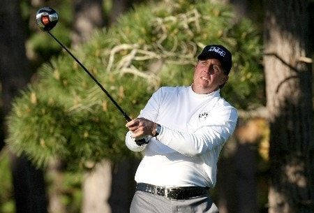 PEBBLE BEACH, CA - FEBRUARY 07:  Phil Mickelson watches his tee shot on the fourth hole during the first round of the AT&T Pebble Beach National Pro-Am at Poppy Hills Golf Course February 7, 2008  in Pebble Beach, California.  (Photo by Stephen Dunn/Getty Images)