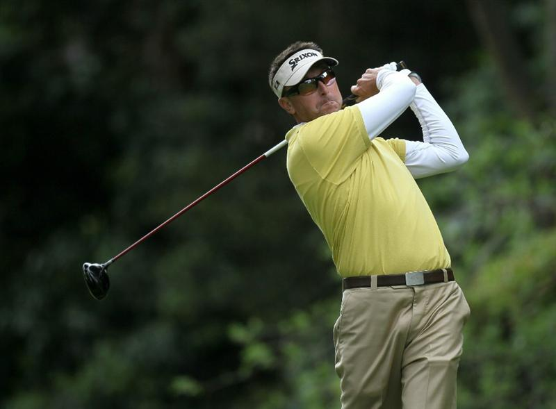 PACIFIC PALISADES, CA - FEBRUARY 19:  Robert Allenby of Australia hits his tee shot on the 12th hole during round three of the Northern Trust Open at Riviera Country Club on February 19, 2011 in Pacific Palisades, California.  (Photo by Stephen Dunn/Getty Images)