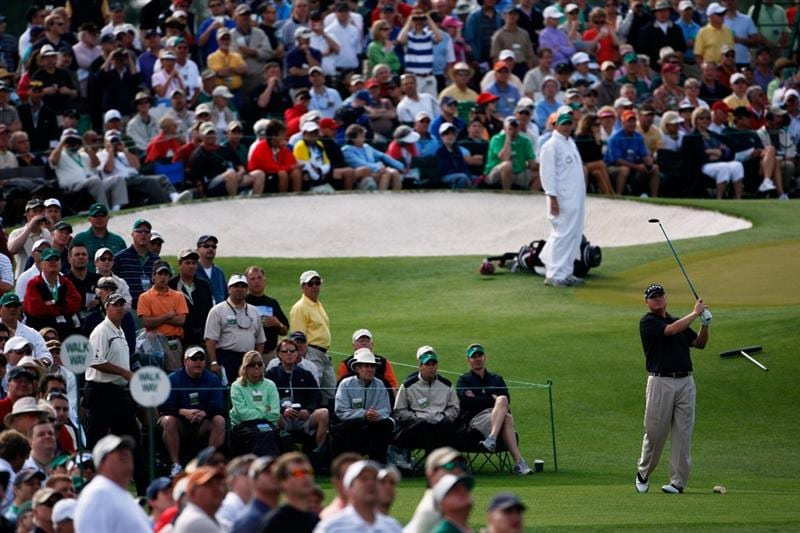 AUGUSTA, GA - APRIL 10:  Chad Campbell hits his tee shot on the third hole during the second round of the 2009 Masters Tournament at Augusta National Golf Club on April 10, 2009 in Augusta, Georgia.  (Photo by Jamie Squire/Getty Images)