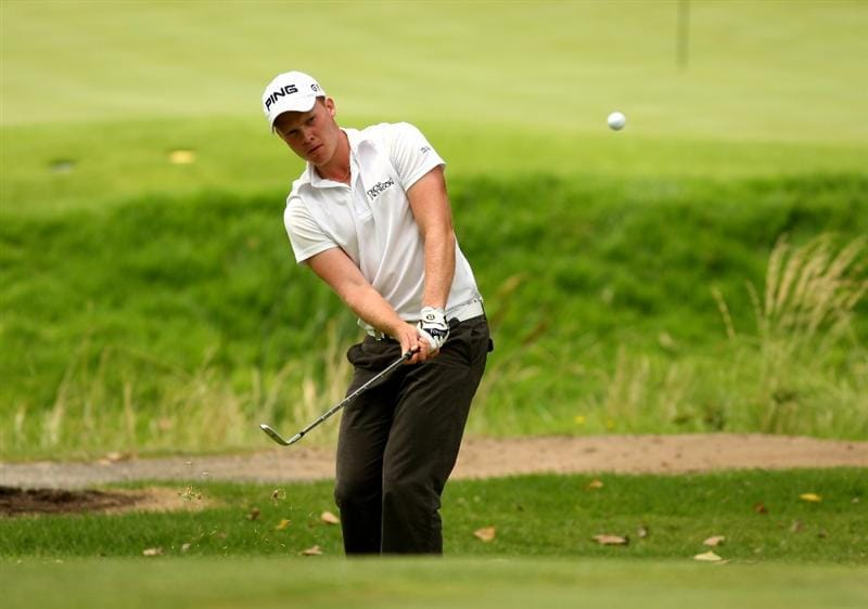 JOHANNESBURG, SOUTH AFRICA - JANUARY 09:  Danny Willett of England chips onto the 15th green during the second round of the Joburg Open at Royal Johannesburg and Kensington Golf Club on January 9, 2009 in Johannesburg, South Africa.  (Photo by Richard Heathcote/Getty Images)