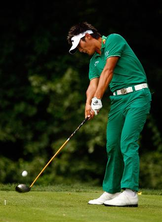 BETHESDA, MD - JULY 04:  Danny Lee of New Zealand hits his tee shot on the 14th hole during the third round of the AT&T National at the Congressional Country Club on July 4, 2009 in Bethesda, Maryland.  (Photo by Scott Halleran/Getty Images)