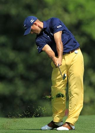 AUGUSTA, GA - APRIL 08:  Jonathan Byrd hits a shot on the fifth hole during the second round of the 2011 Masters Tournament at Augusta National Golf Club on April 8, 2011 in Augusta, Georgia.  (Photo by David Cannon/Getty Images)
