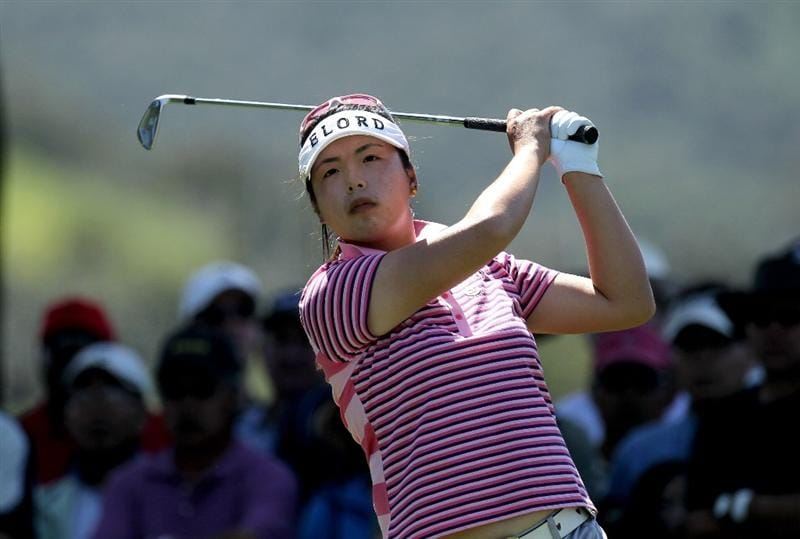 CARLSBAD, CA - MARCH 28:  Shanshan Feng of China hits her tee shot on the second hole during the final round of the Kia Classic Presented by J Golf at La Costa Resort and Spa on March 28, 2010 in Carlsbad, California. (Photo by Stephen Dunn/Getty Images)