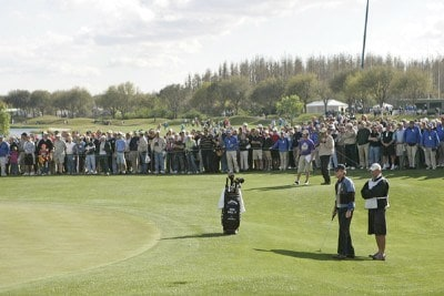 The gallery watches Mark McNulty at #18 during the third round of the the 2006 Outback Steakhouse Pro-Am, held at TPC of Tampa Bay in Lutz, Florida, on February 26, 2006.Photo by: Chris Condon/PGA TOUR