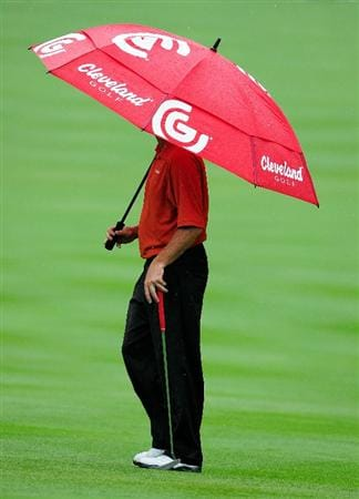AKRON, OH - AUGUST 08:  Jerry Kelly waits to play the 13th hole during the third round of the WGC-Bridgestone Invitational on the South Course at Firestone Country Club on August 8, 2009 in Akron, Ohio.  (Photo by Sam Greenwood/Getty Images)