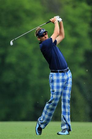AUGUSTA, GA - APRIL 08:  Ian Poulter of England hits a shot on the fifth hole during the second round of the 2011 Masters Tournament at Augusta National Golf Club on April 8, 2011 in Augusta, Georgia.  (Photo by David Cannon/Getty Images)