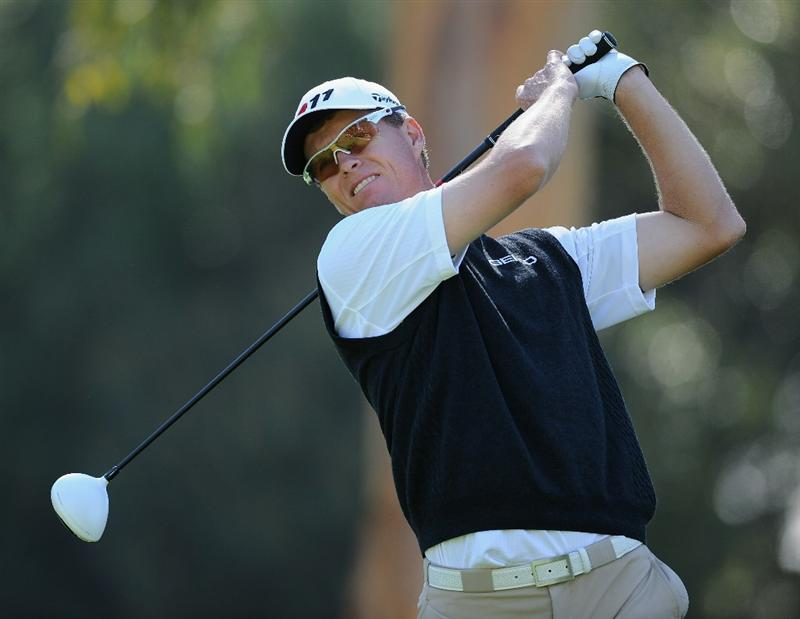 PACIFIC PALISADES, CA - FEBRUARY 17:  John Senden of Australia plays his tee shot on the nineth hole during the first round of the Northern Trust Open at Riviera Country Club on February 17, 2011 in Pacific Palisades, California.  (Photo by Stuart Franklin/Getty Images)