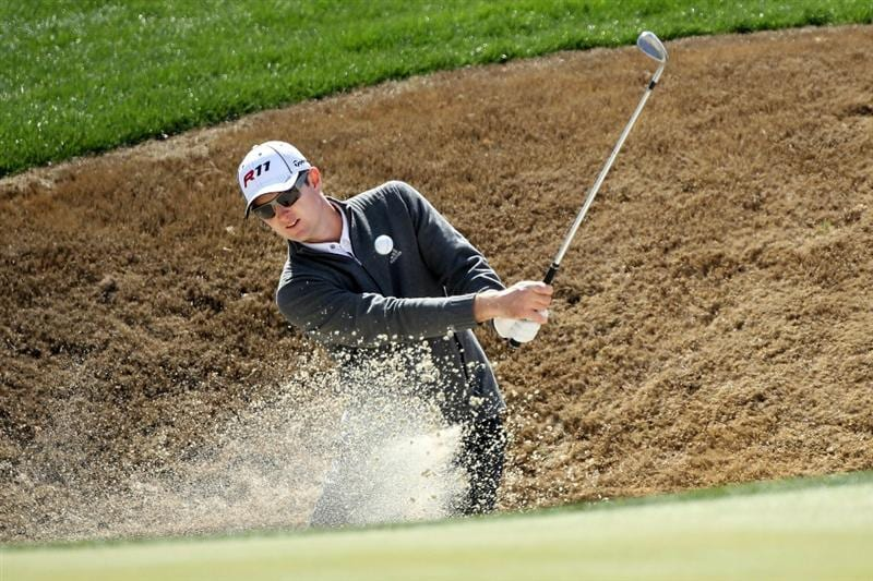 MARANA, AZ - FEBRUARY 24:  Justin Rose of England hits his third shot on the second hole during the second round of the Accenture Match Play Championship at the Ritz-Carlton Golf Club on February 24, 2011 in Marana, Arizona.  (Photo by Andy Lyons/Getty Images)