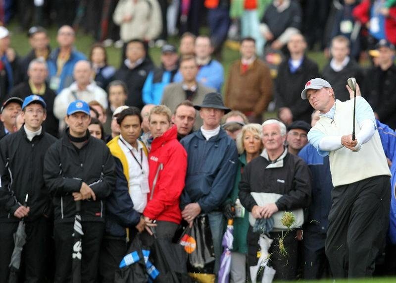 NEWPORT, WALES - OCTOBER 01:  Steve Stricker of the USA chips during the Morning Fourball Matches during the 2010 Ryder Cup at the Celtic Manor Resort on October 1, 2010 in Newport, Wales. (Photo by Andy Lyons/Getty Images)