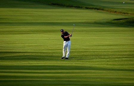 OAKMONT, PA - JUNE 15:  Niclas Fasth of Sweden hits a shot from the fairway during the second round of the 107th U.S. Open Championship at Oakmont Country Club on June 15, 2007 in Oakmont, Pennsylvania.  (Photo by David Cannon/Getty Images)
