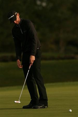 VERONA, NY - OCTOBER 05:  Vaughn Taylor misses a put on the 14th hole during a six hole play-off against Matt Kuchar at the 2009 Turning Stone Resort Championship at Atunyote Golf Club held on October 5, 2009 in Verona, New York.  (Photo by Chris Trotman/Getty Images)