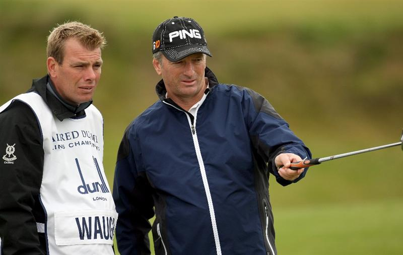 KINGSBARNS, SCOTLAND - OCTOBER 02:  Former Australian cricketer Steve Waugh competes in the second round of The Alfred Dunhill Links Championship at Kingsbarns Golf Links on October 2, 2009 in Kingsbarns, Scotland. (Photo by Ross Kinnaird/Getty Images