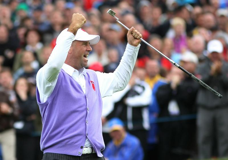 NEWPORT, WALES - OCTOBER 02:  Stewart Cink of the USA celebrates a birdie putt on the 17th green during the rescheduled Afternoon Foursome Matches during the 2010 Ryder Cup at the Celtic Manor Resort on October 2, 2010 in Newport, Wales.  (Photo by Jamie Squire/Getty Images)